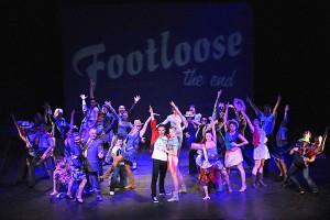 """""""Footloose"""" v Divadle J. K. Tyla v Plzni"""