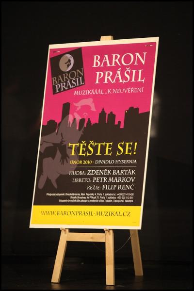 """""""Baron Prášil"""" na první tiskovou konferenci na dělové kouli nepřiletěl… zatím…"""