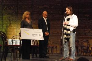 Předávání šeku (přítomni Michal Horáček a Oldřich Lichtenberg)