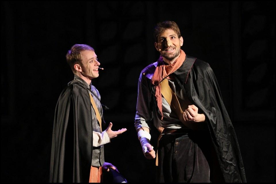 Cyrano úspěšně odhazuje širák v Českých Budějovicích
