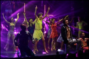 Finálová taneční scéna You Should Be Dancing