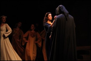 Agnes (Lucia Šoralová) potkává Krysaře