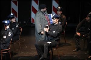 Peter Veslár jako odraz blbého policisty