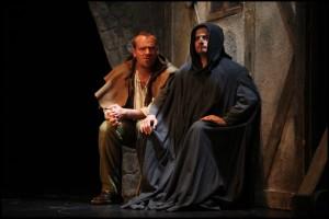 Štěpán (Filip Blažek) rozmlouvá s Krysařem