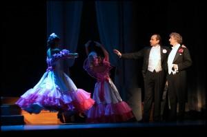 Marian Vojtko a Bronislav Kotiš hodnotí krásky na plesu