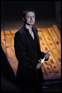 Ondřej Ruml v muzikálu Hamlet (foto Petr Marek)