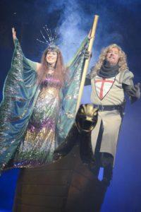 Kateřina Baranová a Martin Polách jako Jezerní dáma a Sir Galahad.