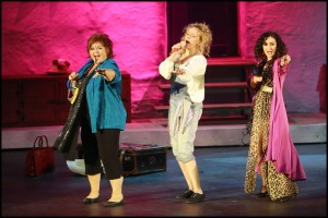 """Dancing Queen"" - Hana Křížková, Alena Antalová a Radka Fišarová"