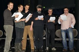 Jedna ze sborových písní (zleva J. Kaštovský, J. Čiernik, J. Vlas, P. Opava, R. Tesařík a M. Pleskot)