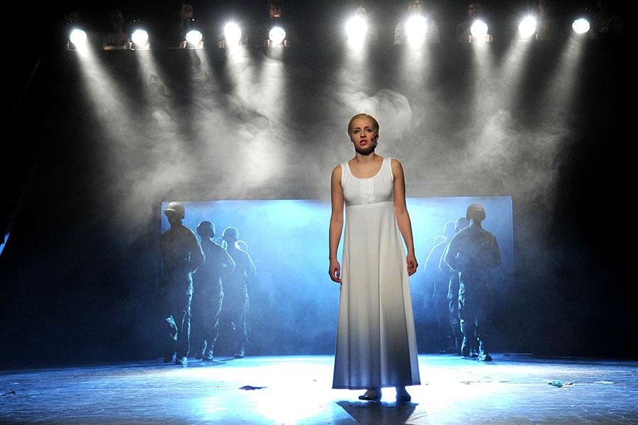 """Národní divadlo moravskoslezské zveřejnilo obsazení hlavních rolí muzikálu """"Evita"""""""