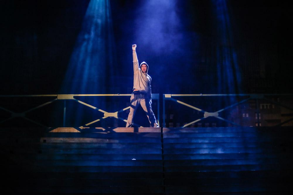 Jedna z ikonických scén Rockyho na schodech