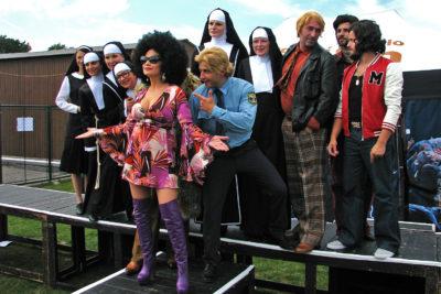Sestra v akci ukázala kostýmy a poměřila síly s Madagaskarem