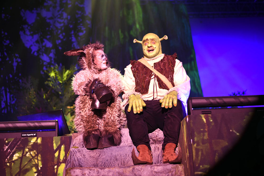 Oslík (Lukáš Ondruš) a Shrek (Jiří Zonyga)