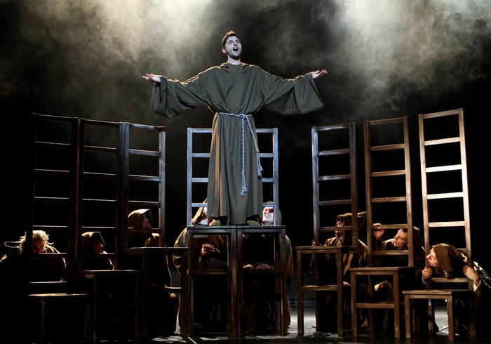 """Dokořán 18.6.2009 – """"František z Assisi"""", """"Stvoření světa aneb Jak to dělají andělé"""" a """"Muži v offsidu"""""""