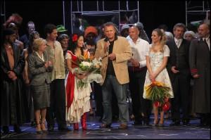 Na začátek oslav promluvil ředitel divadla Egon Kulhánek