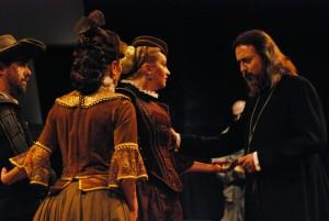 Děkan Lautner (Oldřich Kříž) s měšťany