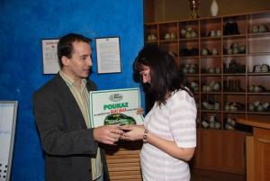 Jan Ubran předává 4. cenu