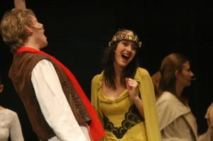 Pěveckým výstupům Artuše a Ginevry na začátku představení nechyběla energie