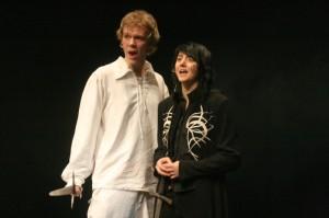 Lancelot se vrací pomoci Artušovi