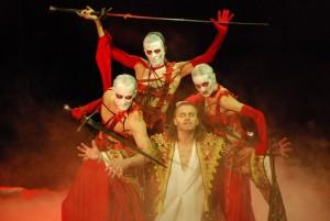 Dracula (Josef Vojtek) s krvinkami