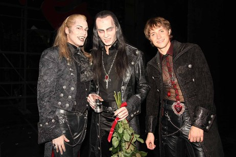 """Thomas Borchert se za obrovského potlesku rozloučil s vídeňským """"Tanz der Vampire"""""""