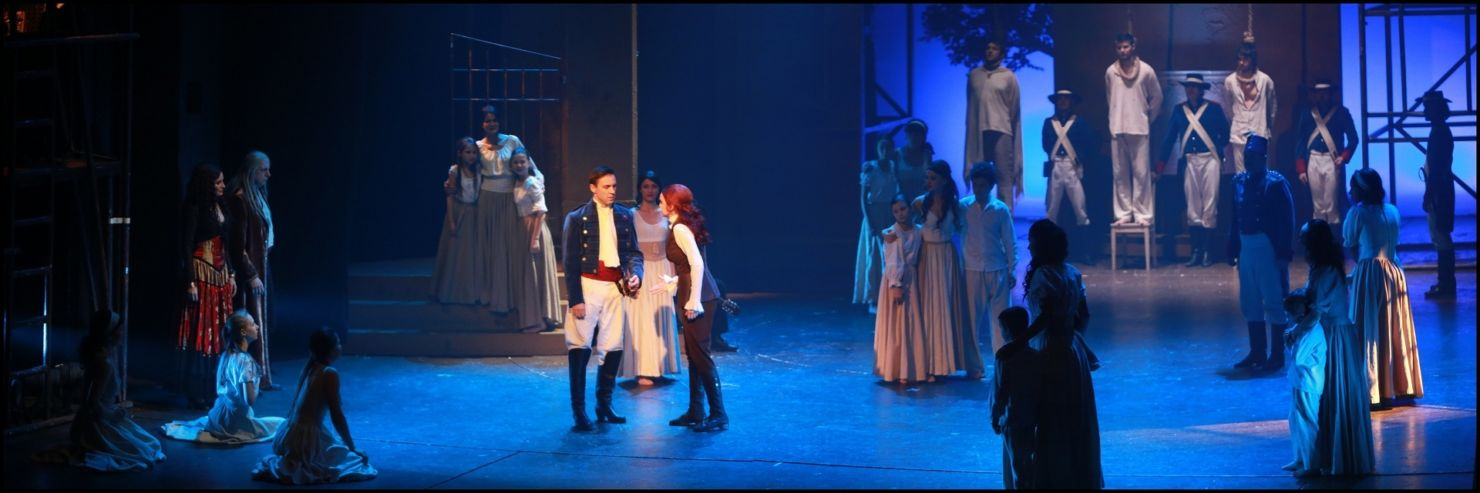 Zorro se rozloučil s Prahou, uvolňuje trůn Antoinettě – královně Francie (+ rozhovor)