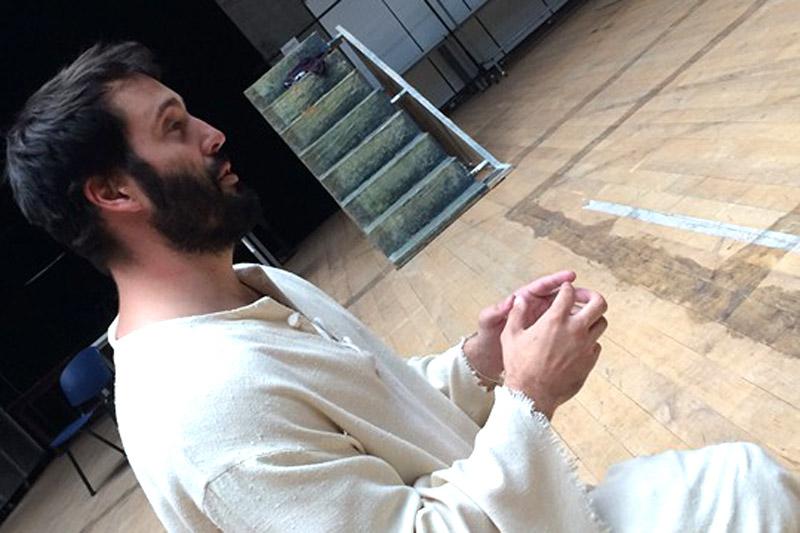 V Karlíně se jako Ježíš představí Václav Noid Bárta