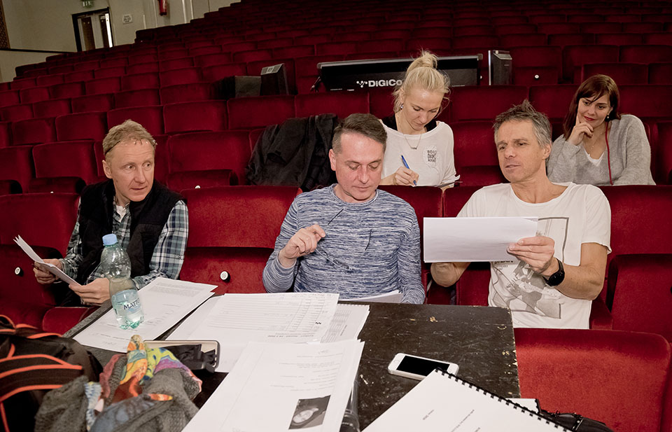 producent Michal Mückstein, režisér Lubor Cukr, choreografka Petra Parvoničová, Janek Ledecký Hamlet Muzikal Divadlo Hybenia