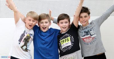 EXKLUZIVNĚ: Noví protagonisté muzikálu BILLY ELLIOT již pilně zkouší v Plzni