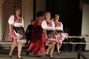 Bítls, muzikál, Městské divadlo Brno, Biskupský dvůr