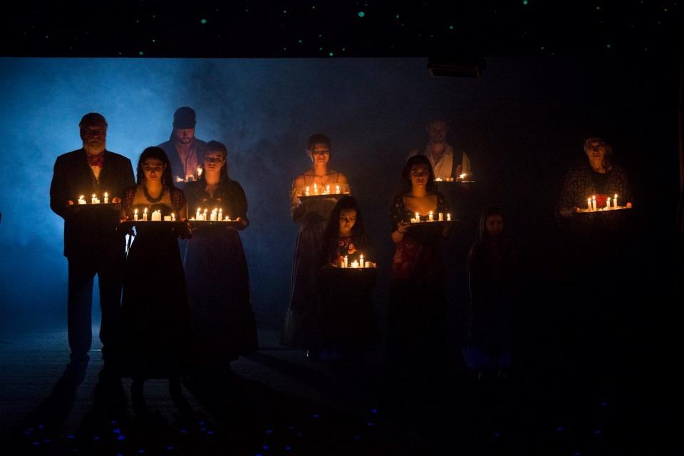 Cikáni jdou do nebe, Divadlo Bez zábradlí