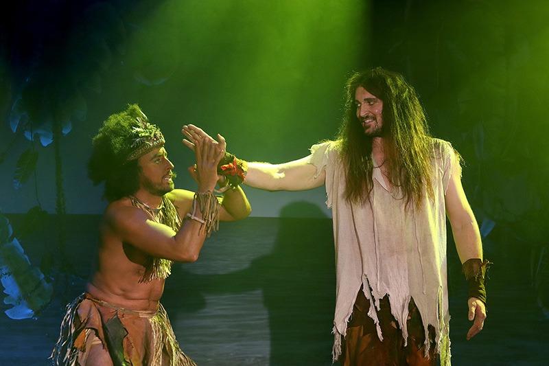 Robinson Crusoe, muzikál, Miroslav Hrabě, Radim Schwab