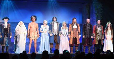 Muzikál Robinson Crusoe připluje na české hrady a zámky