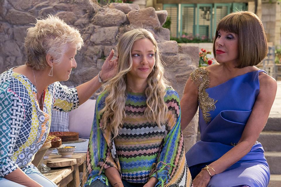 Julie Walters (Rosie), Amanda Seyfried (Sophie) a Christine Baranski (Tanya) Mamma Mia! Here We Go Again
