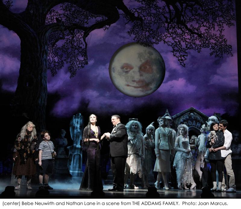 """""""The Addams Family"""" – první fotografie z Broadwaye"""