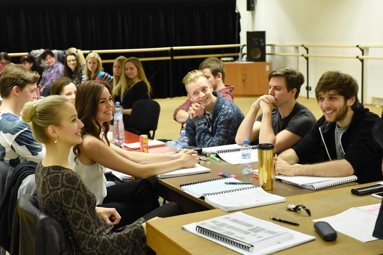 Soubor DJKT v Plzni odstartoval zkoušky české premiéry muzikálu BONNIE & CLYDE