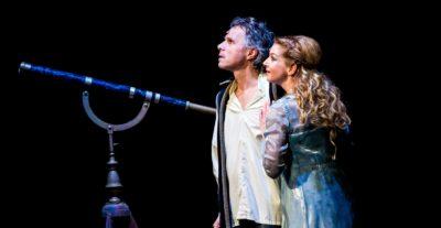 RECENZE: Muzikál Galileo – návrat v retro stylu
