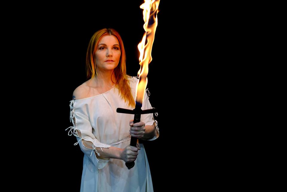 Přivítání a premiéra nové Johanky z Arku v Divadle Kalich (+ video)
