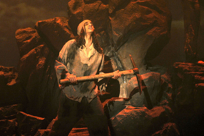 """""""Les Misérables – Bídníci"""" v Městském divadle Brno"""